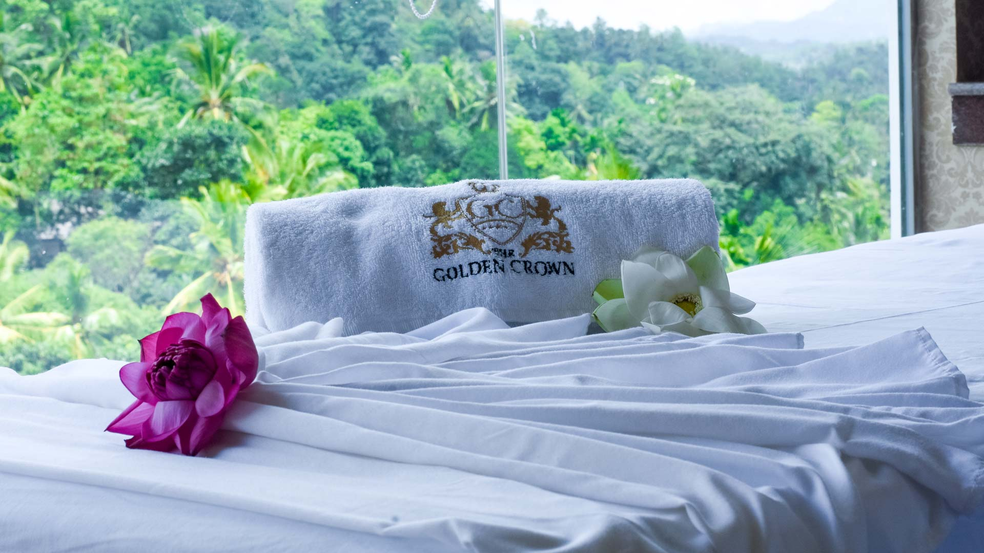 The Golden Crown - spa and wellness center