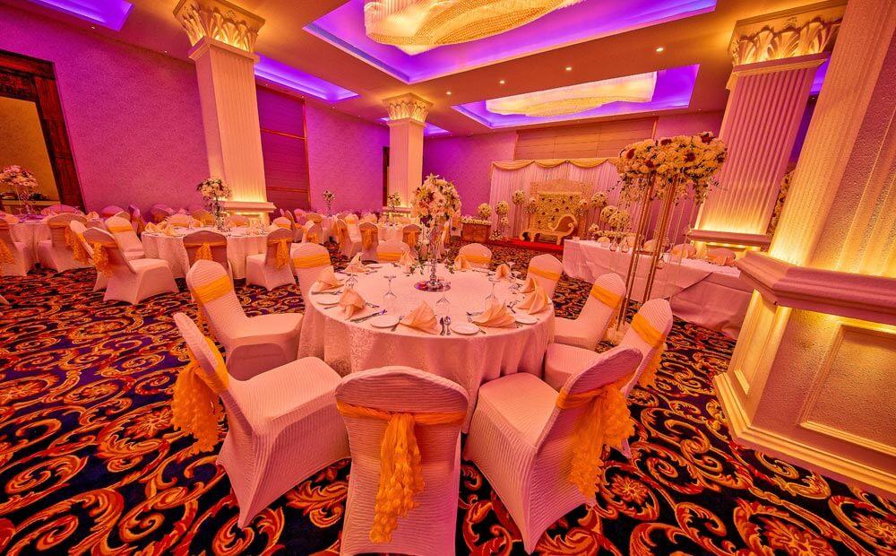The Golden Crown Hotel - Crown Court