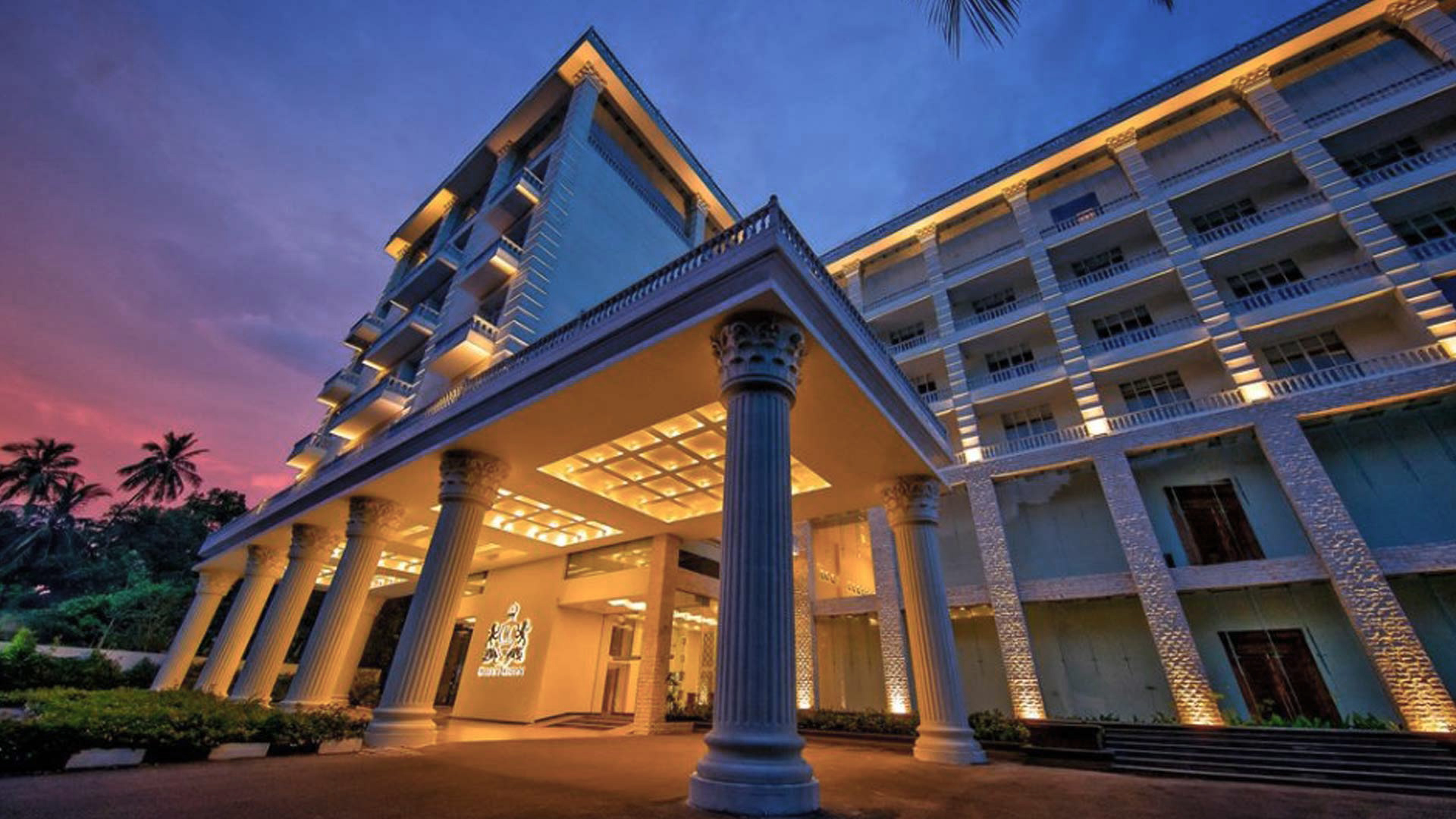 The Golden Crown - Our Hotels